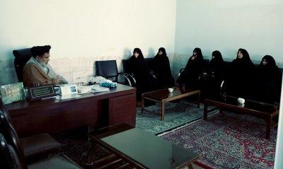 نشست تجلیل از اساتید و مسئولان حوزه علمیه خواهران بافق